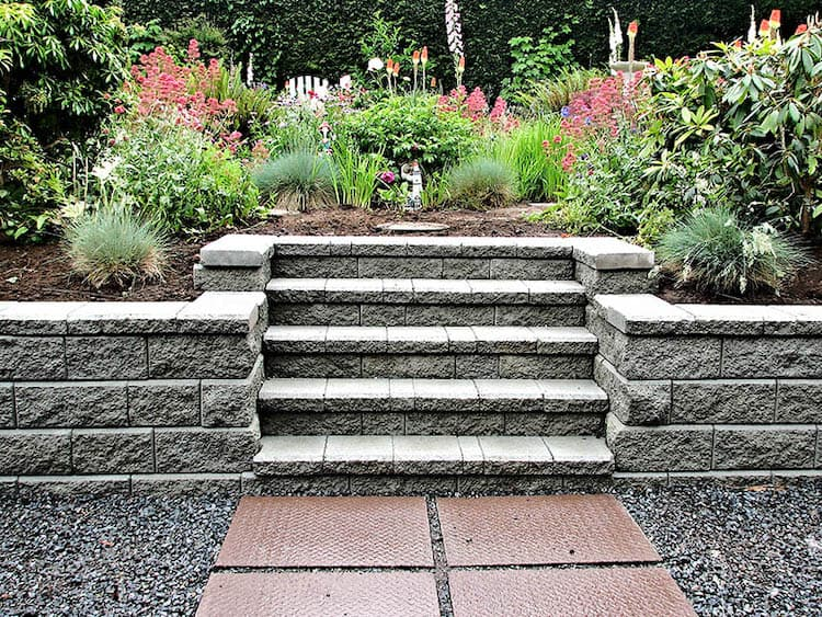 Integrated Steps retaining wall