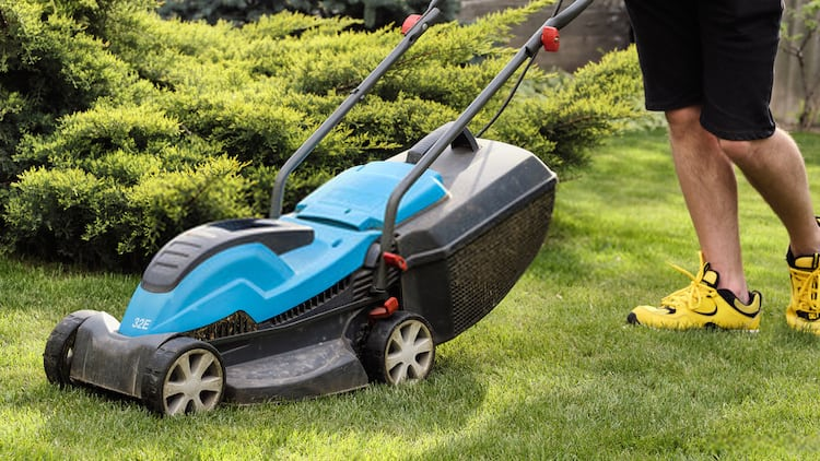 how a zero turn mower work